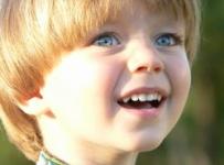 Скачать Красивые дети мальчики фото 525x700 px.